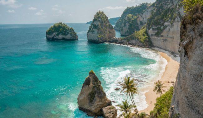 Остров возле Бали Нуса-Пенида
