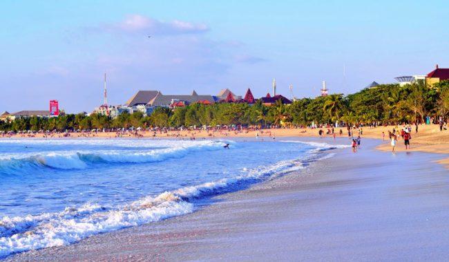Пляж Семиньяк на Бали