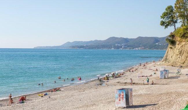Центральный пляж в Агое