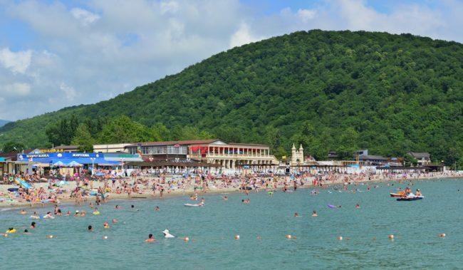 Центральный пляж в Архипо-Осиповке