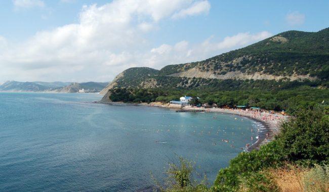 Центральный пляж в Большом Утрише