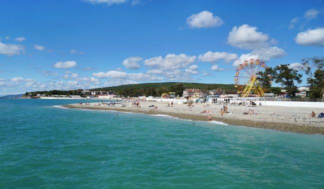 Центральный пляж в Дивноморском