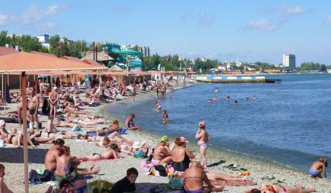 Центральный пляж Камешки