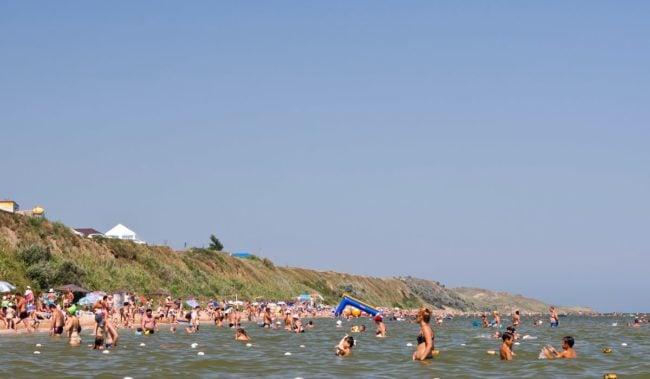 Центральный пляж в Кучугурах
