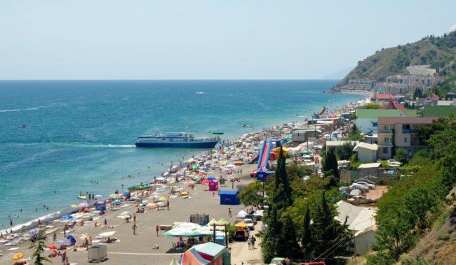 Центральный пляж Рыбачьего