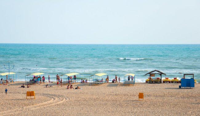 Центральный пляж в Витязево