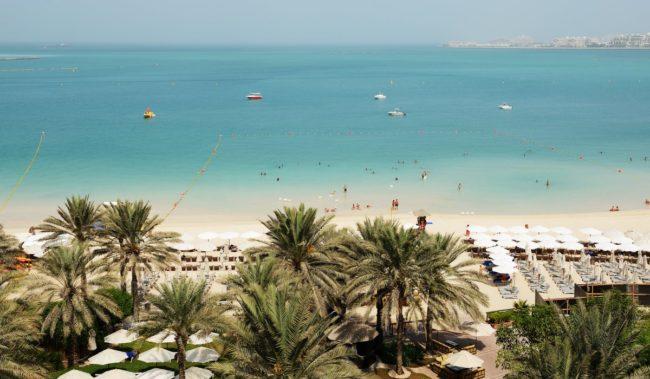 Пляж на Палм Джумейра Дубае