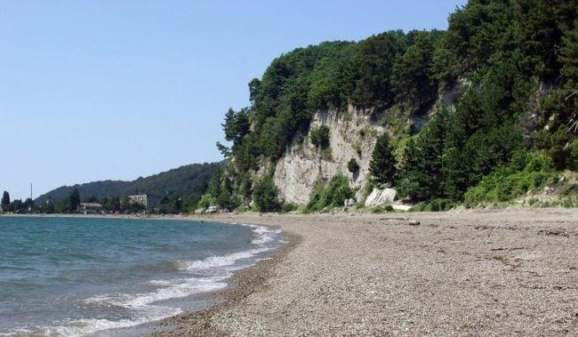 Пляж в Лдзаа