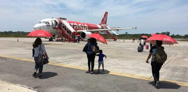 Посадка лоукостер AirAsia