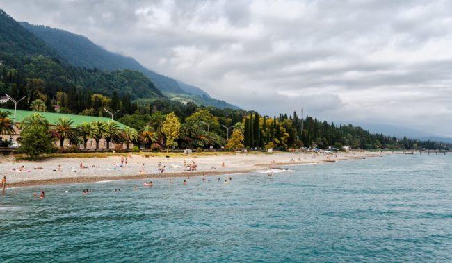 Центральный пляж Нового Афона