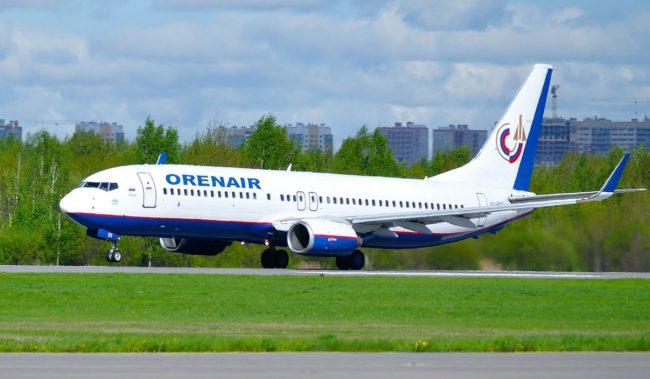 Самолет авиакомпании Orenair Boeing 737-800