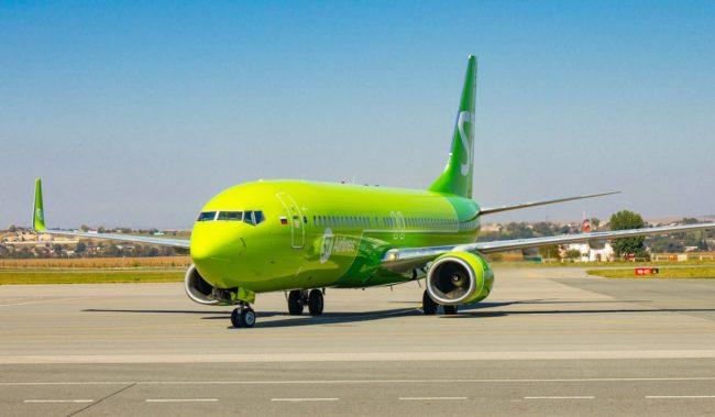Самолет авиакомпании S7 Airlines Boeing 737