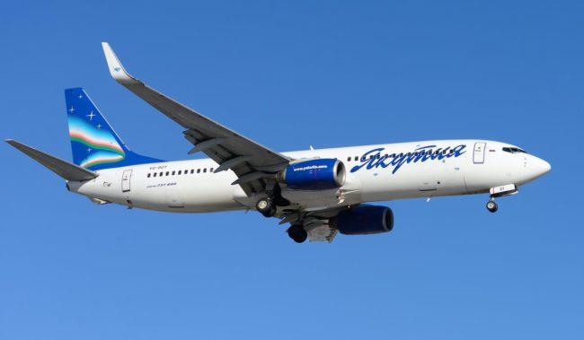 Самолет авиакомпании Якутия Boeing 737-800